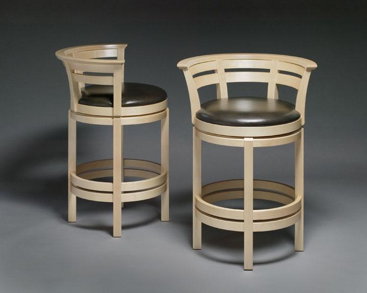 comfortable bar chair that swivels